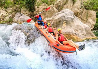 Extreme rafting on the river Cetina