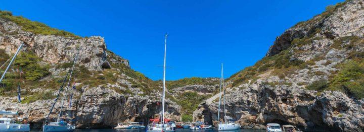 Boat trip to Stiniva bay from Split