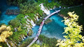 BookYourPerfectTrip_Plitvice_lakes_national_park (1)