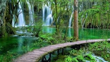 Book Plitvice online and save 10%